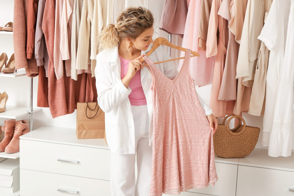How to Put Together an Outfit by Shopping Your Closet